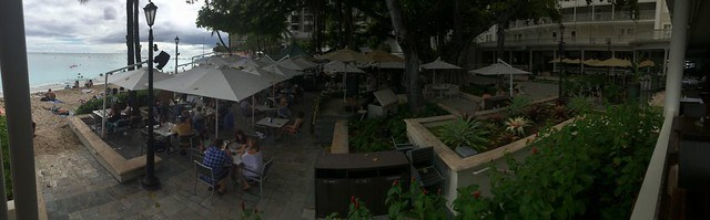 Westin Moana Surfrider - Beach bar