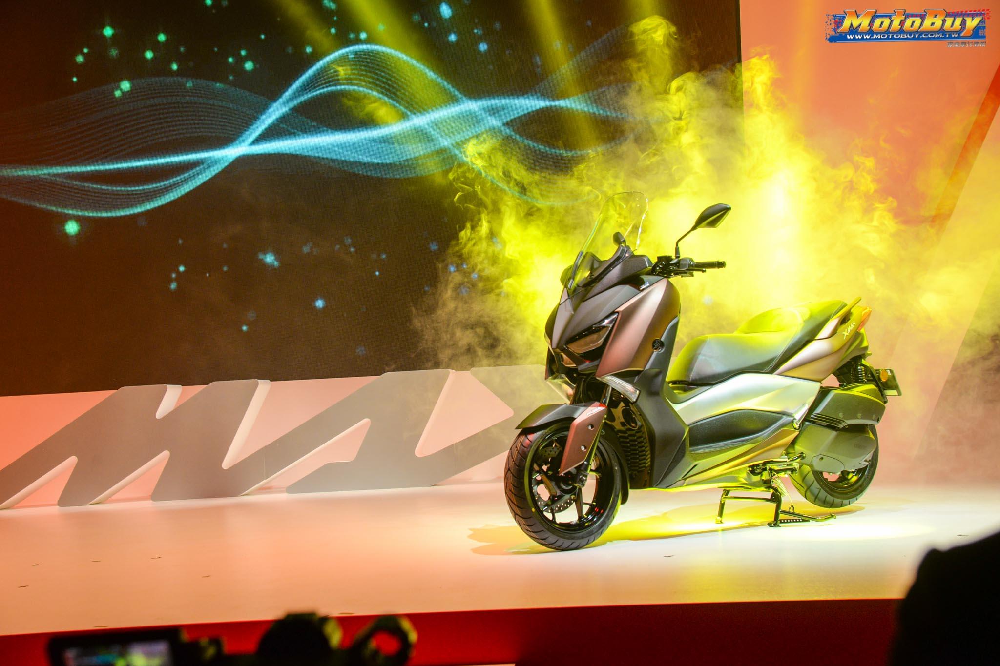[新車情報] 臺灣發售!MAX家族新成員 - YAMAHA XMAX300 $216,000正式登入!   MotoBuy