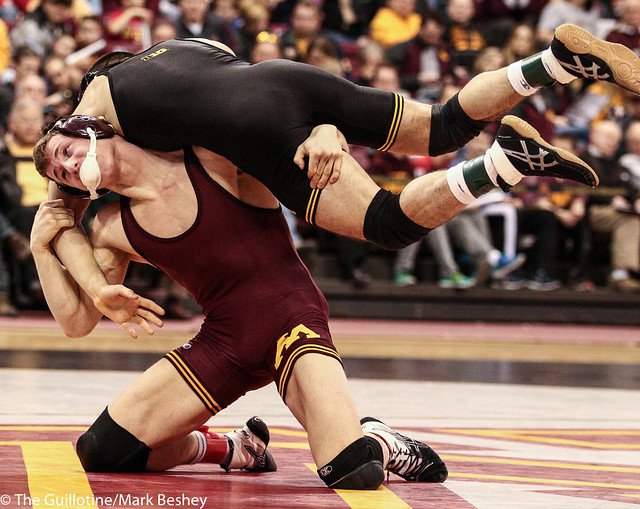 141: No. 13 Tommy Thorn (Minn) dec Topher Carton (Iowa), 3-2 | Minn 11 – Iowa 27