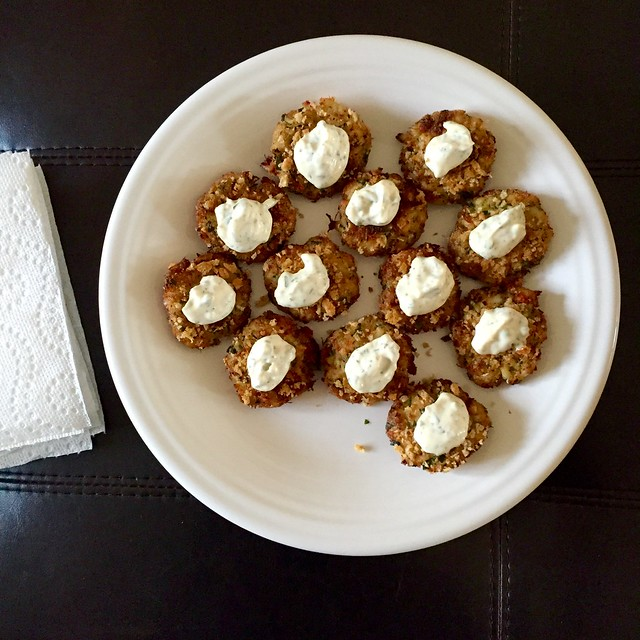 Mini crab cakes with remoulade sauce