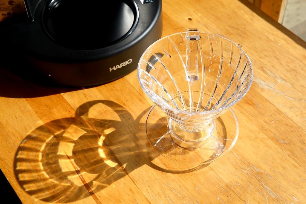 【家用咖啡機推薦】HARIO V60 咖啡王手沖咖啡機開箱實測,精準溫控隨選悶蒸,就像專業咖啡師進駐你家 ...