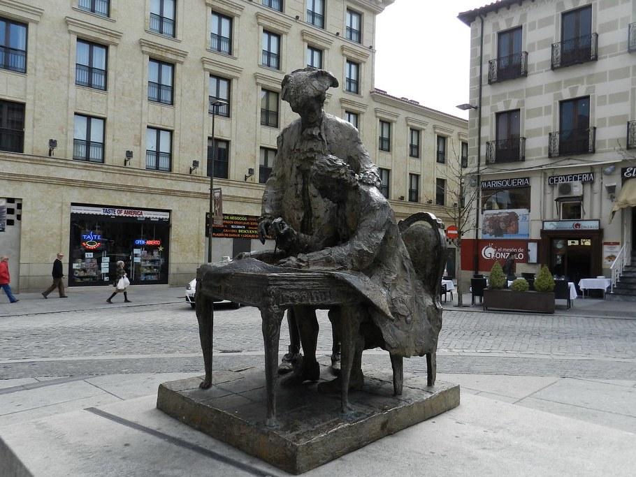 Monumento a Alberto Churriguera y al Conde Francos Salamanca 01