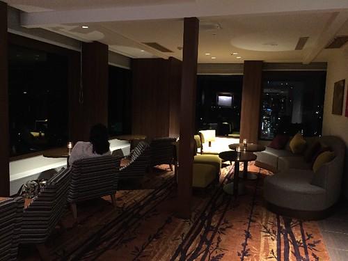 金沢で一番高いホテルのラウンジに来ました。