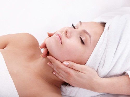 Improve the health and appearance of your skin with a personalized treatment that will leave you rejuvenated and protected. https://www.massageenvy.com/skin-care/