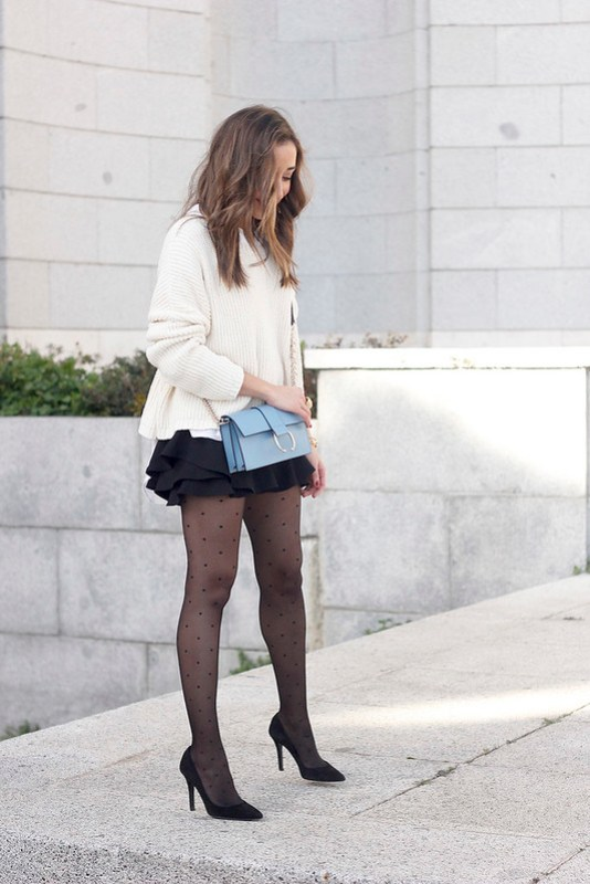 shorts with ruffles white sweater black heels uterqüe bag 04