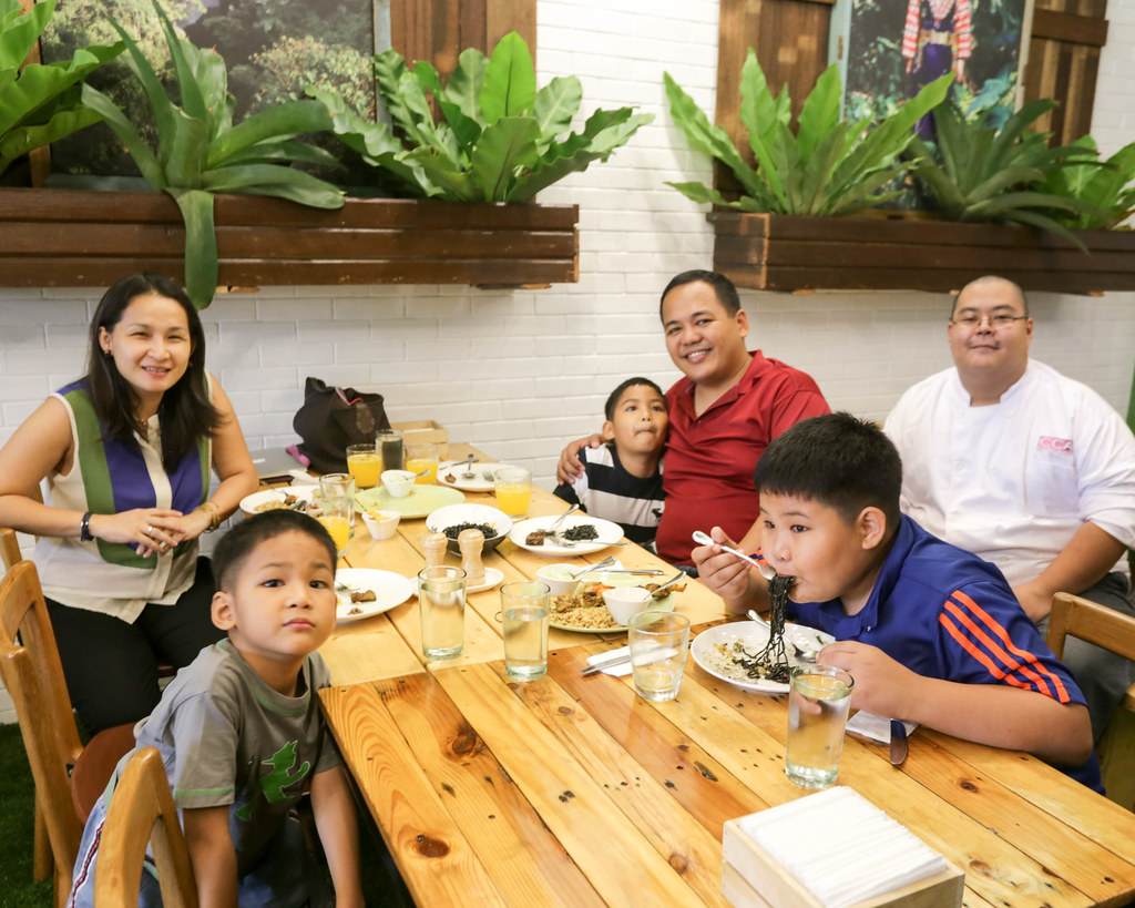 Earth Kitchen BGC-18.jpg