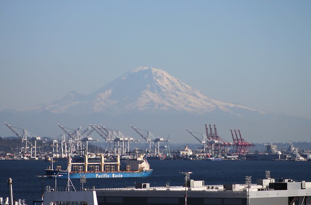 Mount Rainier and the Port of Seattle from Magnolia Bridge