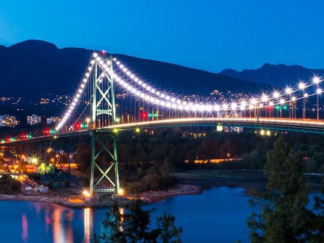 Lions Gate Bridge At Night Gracies Necklace Vancouver
