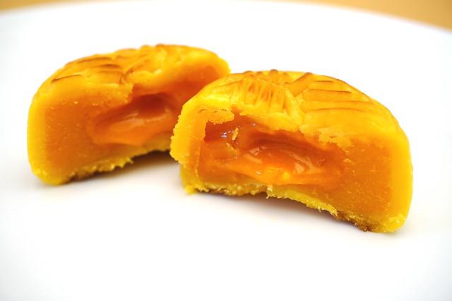 [食記] 香港 美心 流心奶黃月餅 (9/13更新: 發現未拆封即發霉! 見文末) @ Ivy。與她的喜。怒。哀。愁。 :: 痞客邦