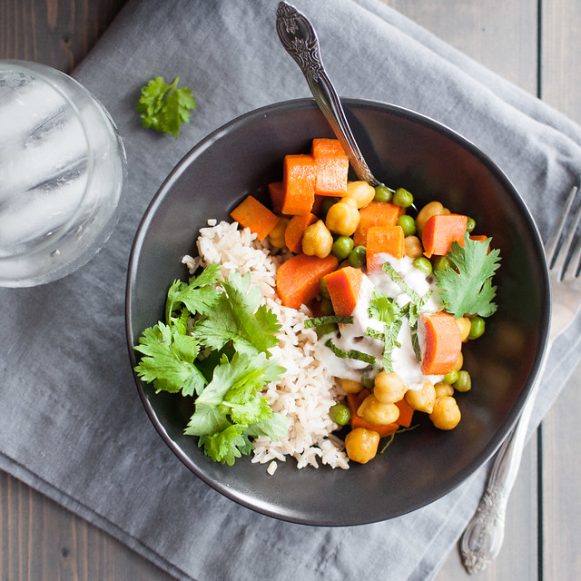 20 minute, 6 ingredient veggie curry (vegan)