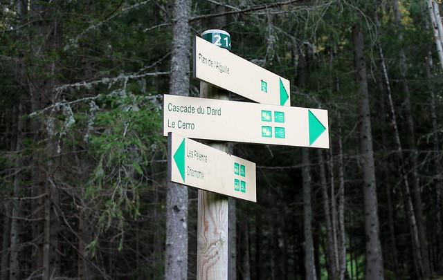 Cascade du Dard signpost