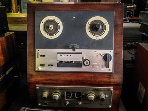 Don Jones Stereo-10