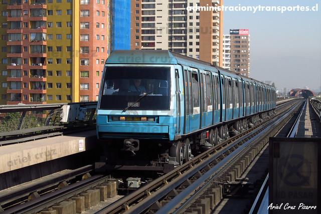 Metro de Santiago - Alstom NS93 N2051 - Pedrero / Mirador (L5)
