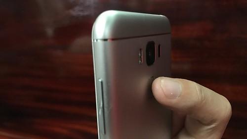 ตัวสแกนลายนิ้วมือของ ASUS Zenfone 3 Max ZC553KL