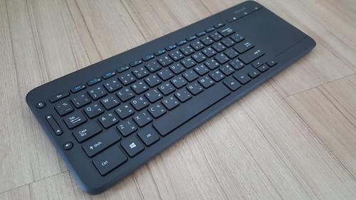 อย่าง Wireless Keyboard & Mouse ที่ผมใช้ก็ Microsoft All-in-One Media keybaord อันนี้