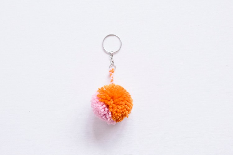 DIY Pom Pom Key Ring