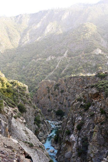 Kings Canyon Scenic Byway (15 Awe-Inspiring Things to Do in Sequoia and Kings Canyon National Parks).