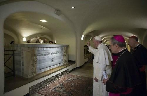 Investigan división del Vaticano por lavado de dinero
