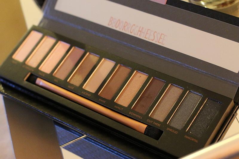 Borghese-eye-shadow-palette-2