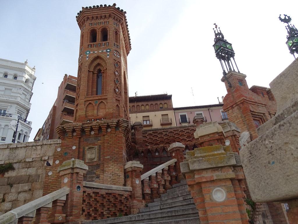 Teruel Escalinata de la Estacion  07