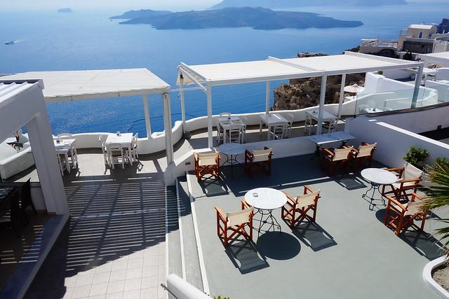 ホテルと海