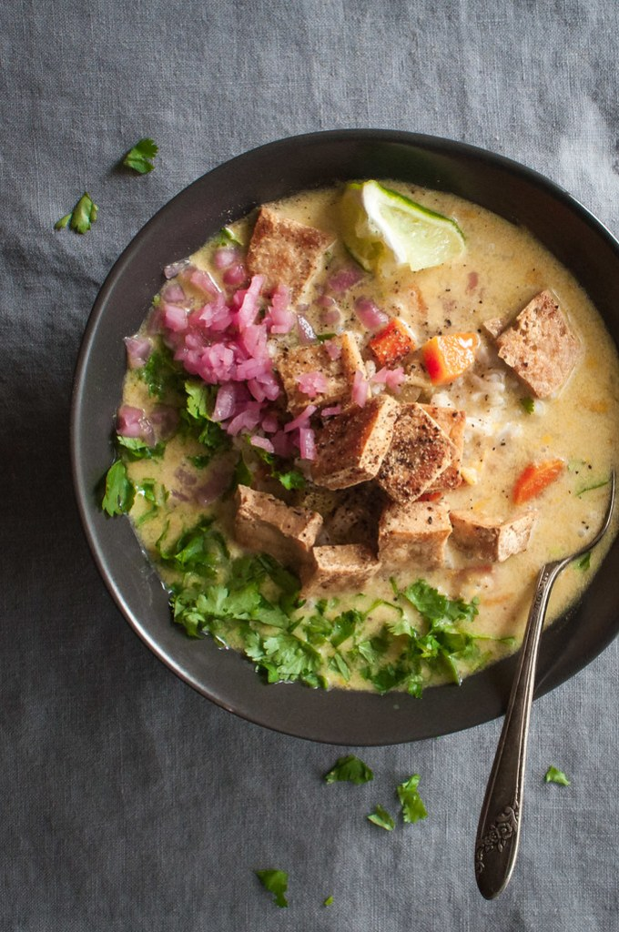 Meatless mulligatawny soup with plenty of vegetarian protein (and flavor!)