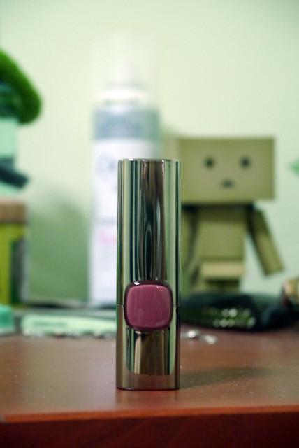 L'Oreal Color Riche Moist Matte Lipstick Spring Rosette 001
