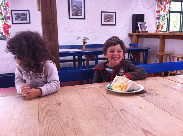 Let's have lunch in Greenan Farm!