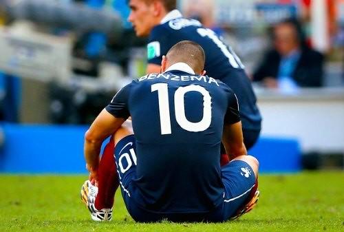 Benzema, jugador con numerosos problemas más allá de la cancha