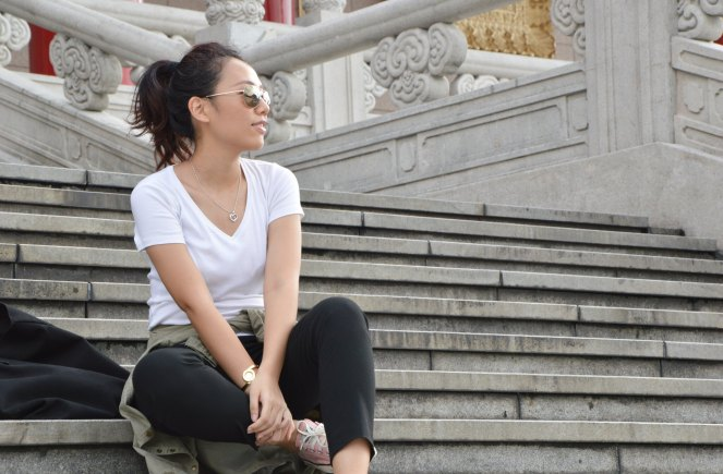 aviators sunglasses, white t-shirt, black ankle pants, pink converse, zara green military parka