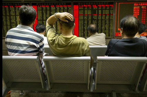 Se desploma bolsa china 4.27% y arrastra a las europeas
