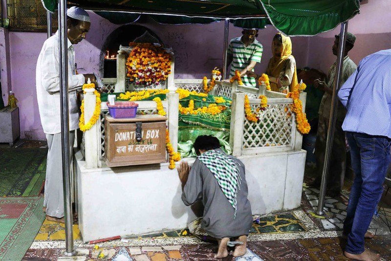 City Faith - Thursday Evening, Hazrat Turkman Shah's Dargah