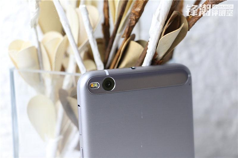 HTC-One-X9-d