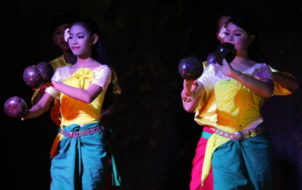 Khmer folk shows are as entertaining as the apsara dance