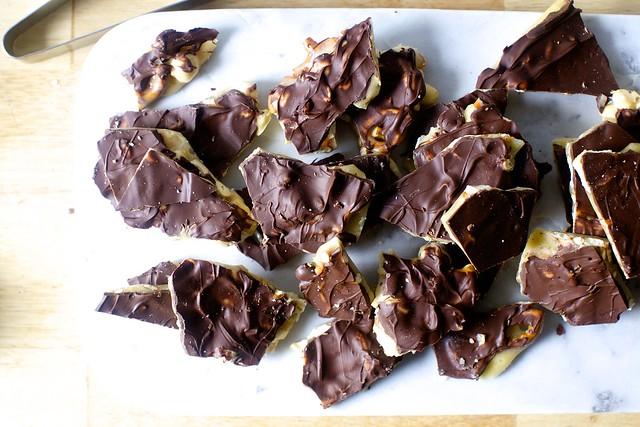 chocolate peanut and pretzel brittle