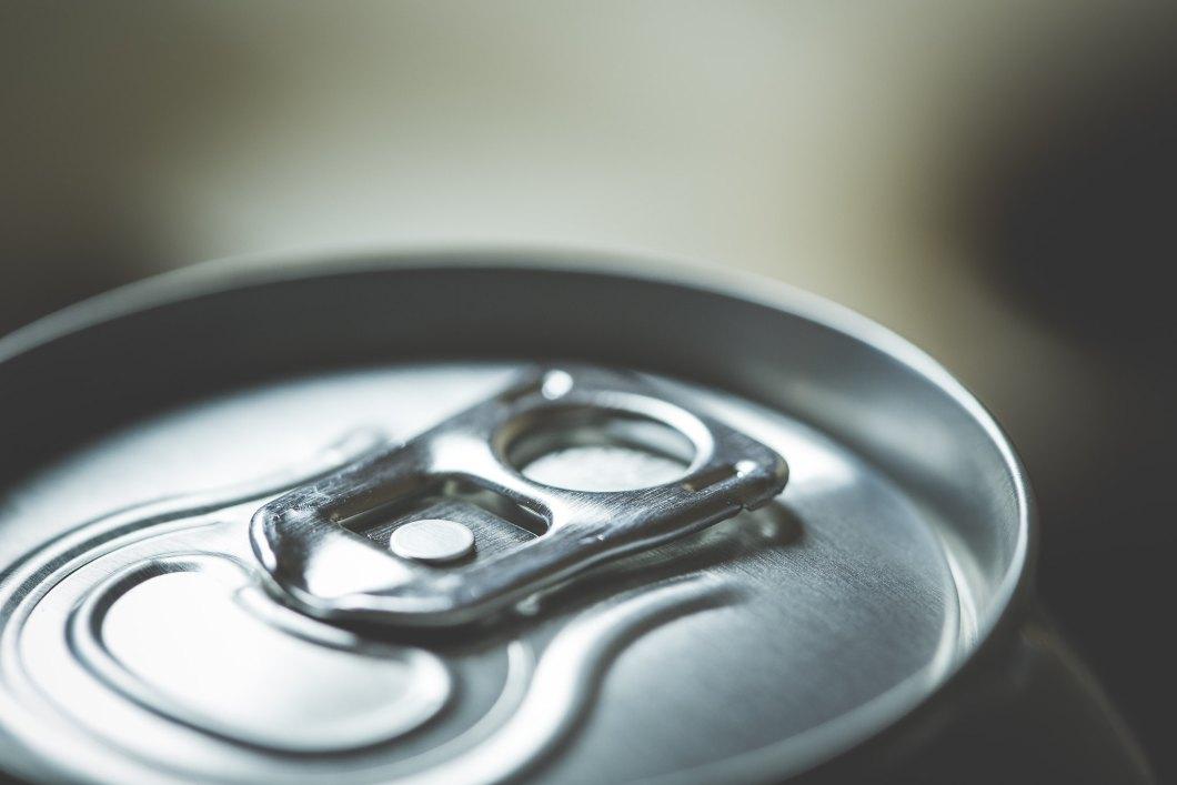Imagen gratis de una lata de refresco