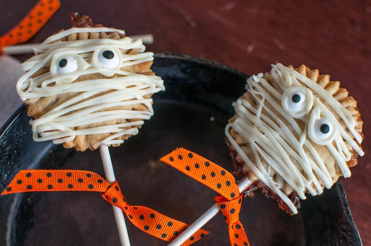 Mummy Pie Pops