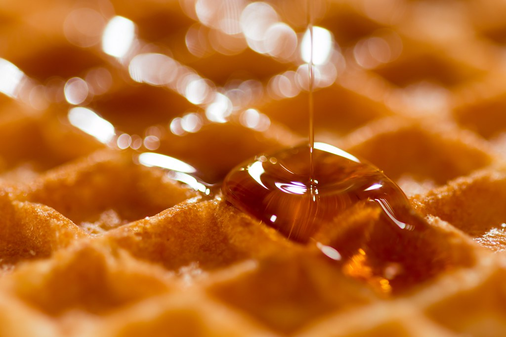 Imagen gratis de un gofre con miel
