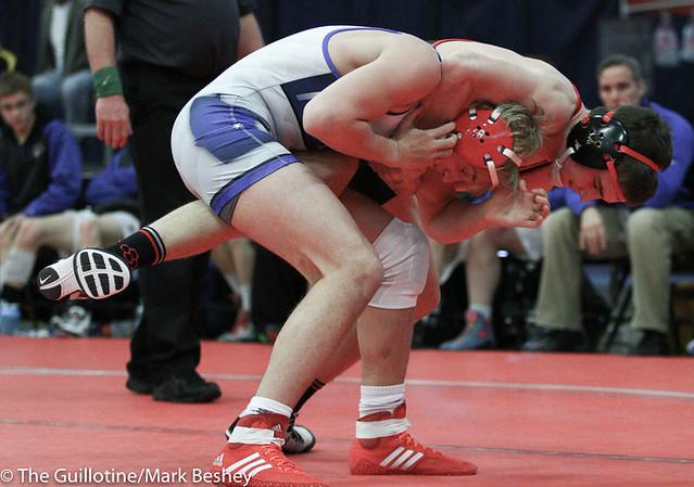152 - Tyler Ryan (Kenyon-Wanamingo ) over Justin Henry (Foley) Maj 13-3