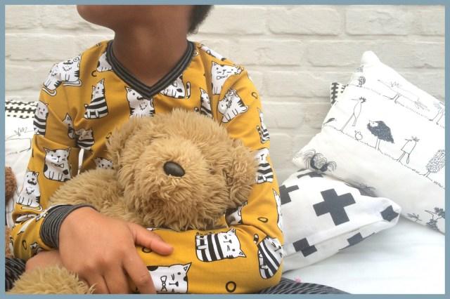 billie pijama (sitting)