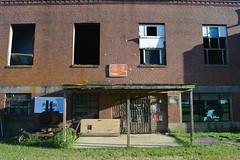 003 Pop's Place, Ashport