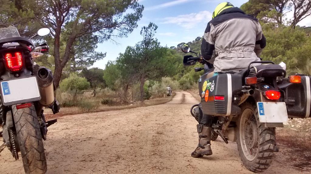 Trail con BMW GS100, Triumhp Tiger Explorer y Triumhp Tiger 800
