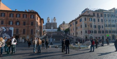 A morning with the Spanish steps in Rome almost empty