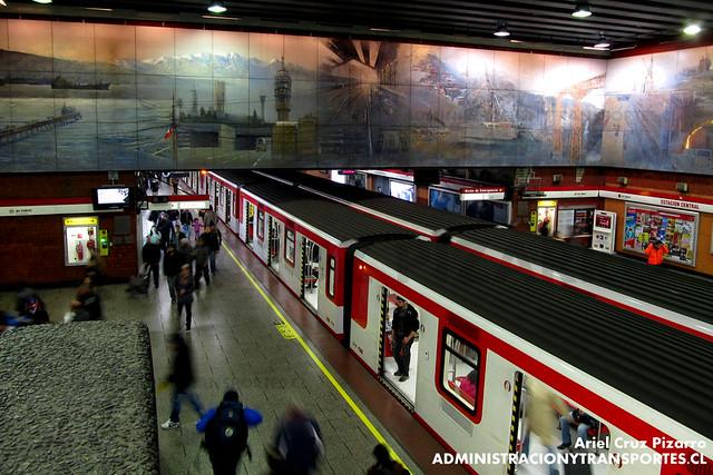 Metro de Santiago - CAF NS2007 N2102 - Estación Central (Línea 1)