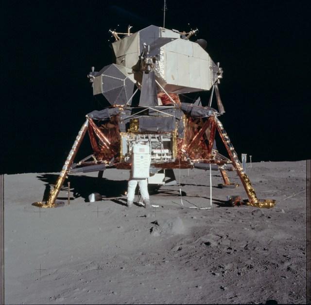 Apollo 11 Magazine 40/S (v1 / levels-adj)