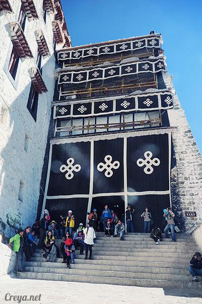 2015.12.04  Tibet 西藏踢北去   藏人的精神殿堂布達拉宮,但或許不只我們高山反應沒精神…14.jpg
