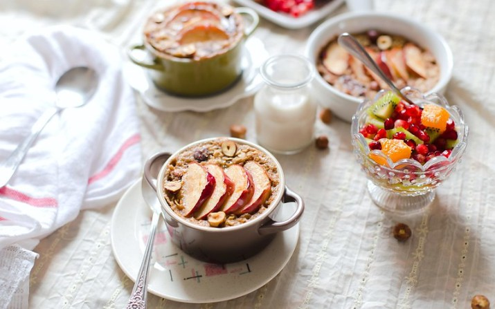 Baked Peanut Butter Oatmeal with Apple