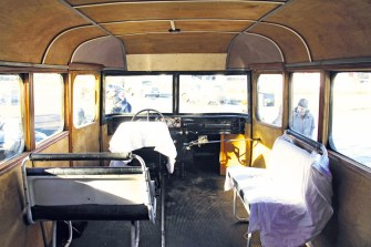 Созданный в 1950-х годах, автобус попал в руки красноярских реставраторов в плачевном состоянии, но сегодня сложная и кропотливая работа завершена — автобус получился как новенький.