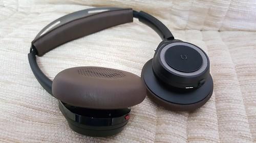 ดีไซน์ใหม่ หมุนตัวหูฟังได้สองทิศทาง