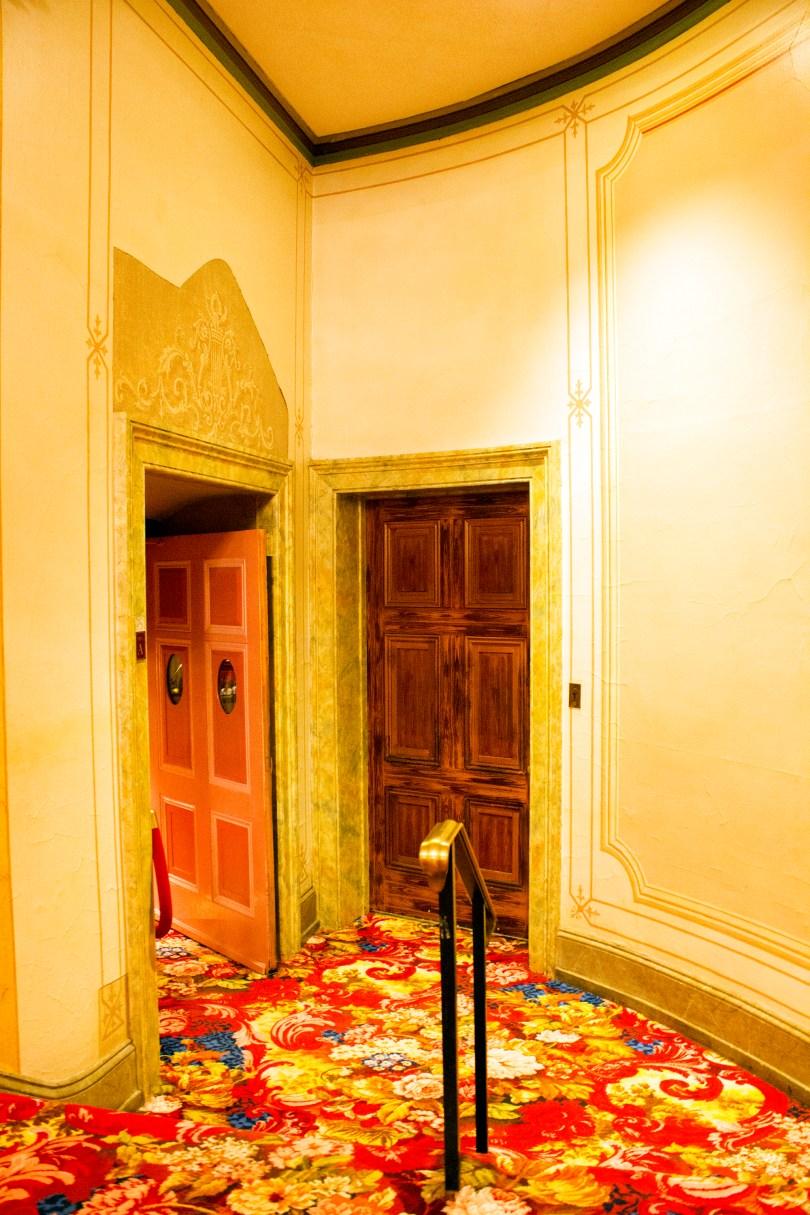 philadelphia-opera-academy-music-theater-door